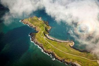 Aerial_view_of_Old_Course_and_Porth_Dinllaen_village_Nefyn_and_District_Golf_Club.jpg