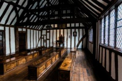 Shakespeares_Schoolroom__Guildhall_Tudor_Schoolroom_Sara_Beaumont_photography_-_Copy.jpg