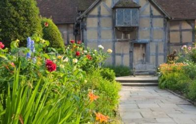 Shakespeares_Birthplace_c._VisitBritain_-_Lee_Beel_-_Copy.jpg