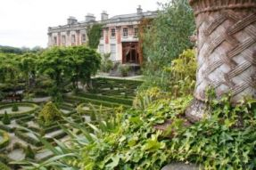 Bantry_House__Gardens_-_Copy.jpg