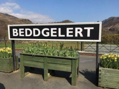 Beddgelert_Railway_Sign_-_Copy.jpg