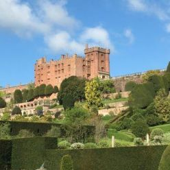 Powis_Castle_-_2_-_Copy.jpg