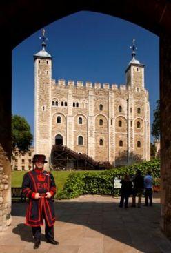 Tower_of_London_F8O2555_1__Historic_Royal_Palaces_-_Copy.jpg